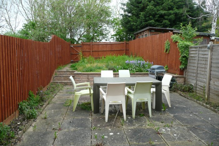 The best sun was in the upper area, so the client was keen to use this space as well as the lower area for entertaining.